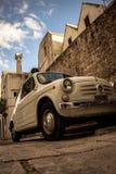 Antikes Fiat in Locorotondo lizenzfreie stockbilder