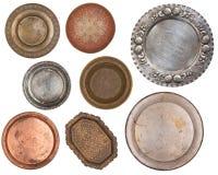 Antikes Metall malte Platten lokalisiert auf weißem Hintergrund Retro- Art weinlese stockfotografie