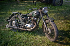 Antikes Motorrad benutzt von der Armee im zweiten Weltkrieg Lizenzfreies Stockbild