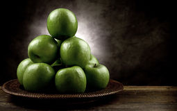 antikt äpple - grön stil arkivbild