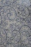 Antikt band på den keramiska tillbringaren Royaltyfri Foto