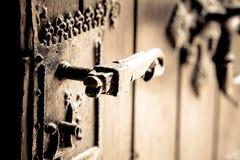 antikt dörrhandtag Arkivfoton