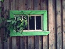 antikt färgrikt fönster arkivbilder