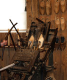 Antikt holländskt trä skor träskor Arkivbilder