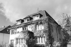 Antikt hus Royaltyfri Bild