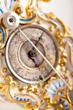 antikt klockacloseporslin upp Arkivbilder