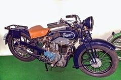 Antikt motorcykelmärke PRAGA 500 BD, 499 ccm, 1928, motorcykelmuseum Fotografering för Bildbyråer