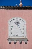 Antikt solur på husväggen Royaltyfri Bild