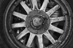 Antikt trähjul Royaltyfri Foto