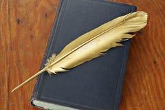 Antikvarisk bok royaltyfri bild