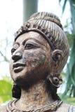 Antikvitet sniden träskulptur av Thailand Arkivbilder