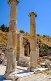 Antikviteten anmärker och strukturer i den Ephesus närbilden, Selcuk, Turkiet arkivfoton