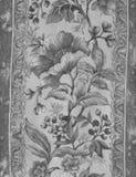 Antikviteten blommar grå bakgrund royaltyfria foton