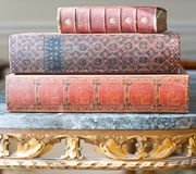 antikviteten books leatherbound royaltyfria foton