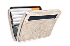 Antikviteten försilvrar fallet för cigaretter royaltyfri bild