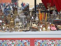 Antikviteten och souvenir shoppar i Moskva, Rusia arkivfoto