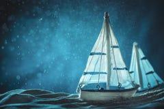 Antikviteten seglar fartygleksakmodellen royaltyfri fotografi