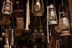 antikviteten shoppar Arkivfoton
