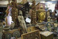 Antikviteten shoppar i Patong Phuket Thailand 15 December 2018 royaltyfri fotografi