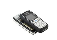 Antikviteter gamla cell- telefoner (för mobil). Isolerat Arkivfoton