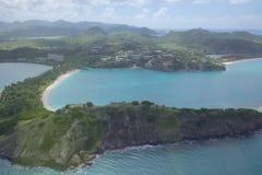 Antillen, Karibische Meere, Antigua, Ansicht über tiefe Bucht Lizenzfreies Stockfoto