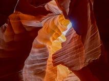 Antilopen-Schlucht mit natürlichem geschaffenem Löwekopf im Sandstein lizenzfreie stockfotografie