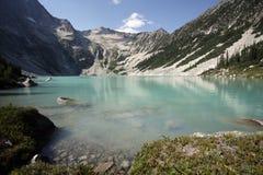 Antimon sjö i British Columbia, Kanada Royaltyfri Foto