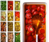 Antipasti italianos. Pimentas vermelhas Fotografia de Stock