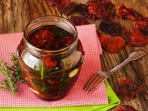 Antipasti med torkade tomater Arkivbilder