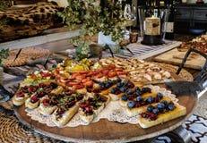 Antipasto Bruschetta на таблице Стоковое Изображение
