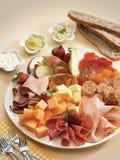 Antipasto de viande, de fromage et de fruit Photos libres de droits