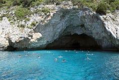 Antipaxos海岛在Parga-旅游天堂在希腊-蓝色洞 免版税库存照片