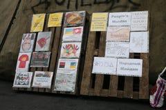 Antiputin, carteles del antisoviet. Euromaidan, Kyiv después de la protesta 10.04.2014 Fotografía de archivo libre de regalías