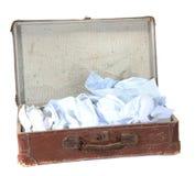 antiquarian καφετιά βαλίτσα πουκάμισων Στοκ Εικόνες