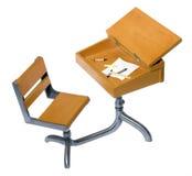 стол antique внутри сочинительства школы материалов Стоковое фото RF