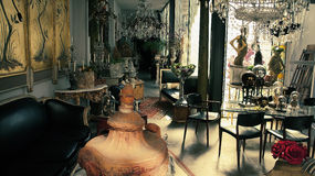 Antique art shop in Buenos Aires Stock Photography