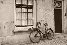 Antique bicycle Royalty Free Stock Photos