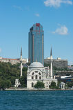 Antique Mosque And Modern Skyscraper In Istanbul Royalty Free Stock Images