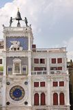 ` Antique Orologio de vallon de Torre d'horloge en San Marco Square, Venise, Italie Images libres de droits
