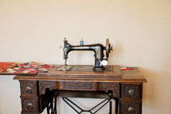Antique Singer Sewing Machine royalty free stock photos