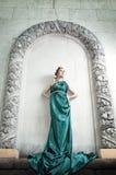 Antiquité. Verticale de belle fille attirante. photo stock