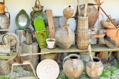 Antiquités d'argile et en bois Image libre de droits