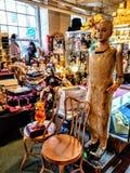 Antiquités et jouets images stock