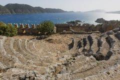 Antiquiteit amphitheatre van de oude plaats van Simena, Antalya, Turkije Royalty-vrije Stock Afbeeldingen