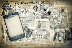 Antiquiteit die en het schrijven hulpmiddelen, uitstekend maniertijdschrift naaien royalty-vrije stock afbeeldingen