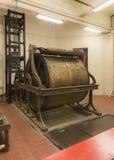 Antiquiteit geautomatiseerd wiel dat de klokken van de Klokketorenslepen van Gent belt stock foto