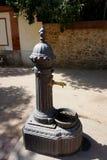 Antiquiteit gesmede kolom voor drinkwater in Barcelona stock afbeeldingen