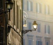 Antiquiteit verfraaide stadslamp royalty-vrije stock afbeeldingen