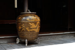 Antiquiteit verglaasde waterkruik royalty-vrije stock afbeeldingen