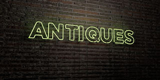ANTIQUITEITEN - Realistisch Neonteken op Bakstenen muurachtergrond - 3D teruggegeven royalty vrij voorraadbeeld stock illustratie